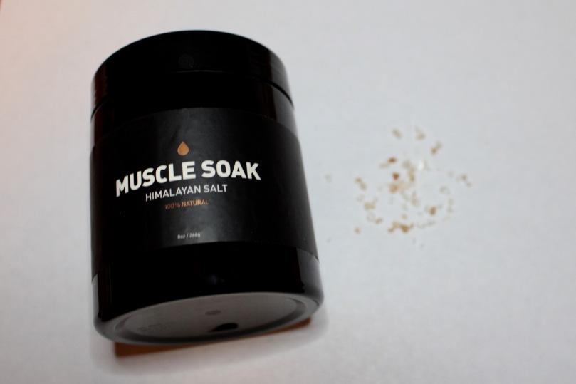 FabFitFun Editor's Box 2018 | Muscle Soak Himalayan Salt | Photo by Chloe Plus Coffee